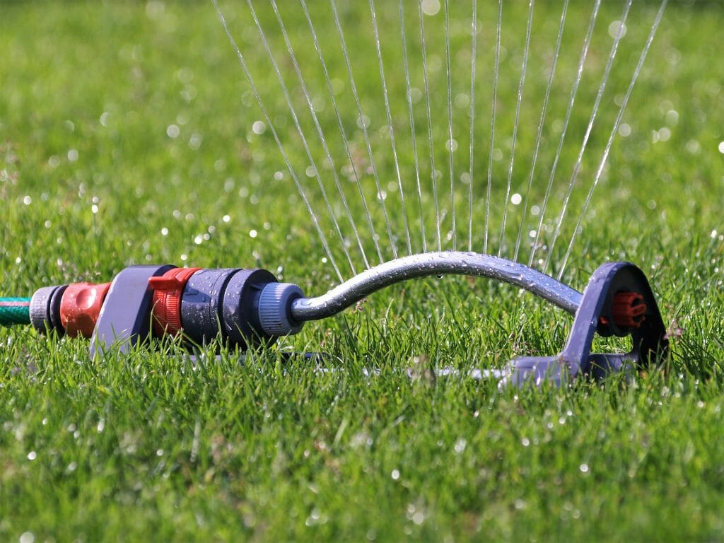 Sprinkler_in_Lawn