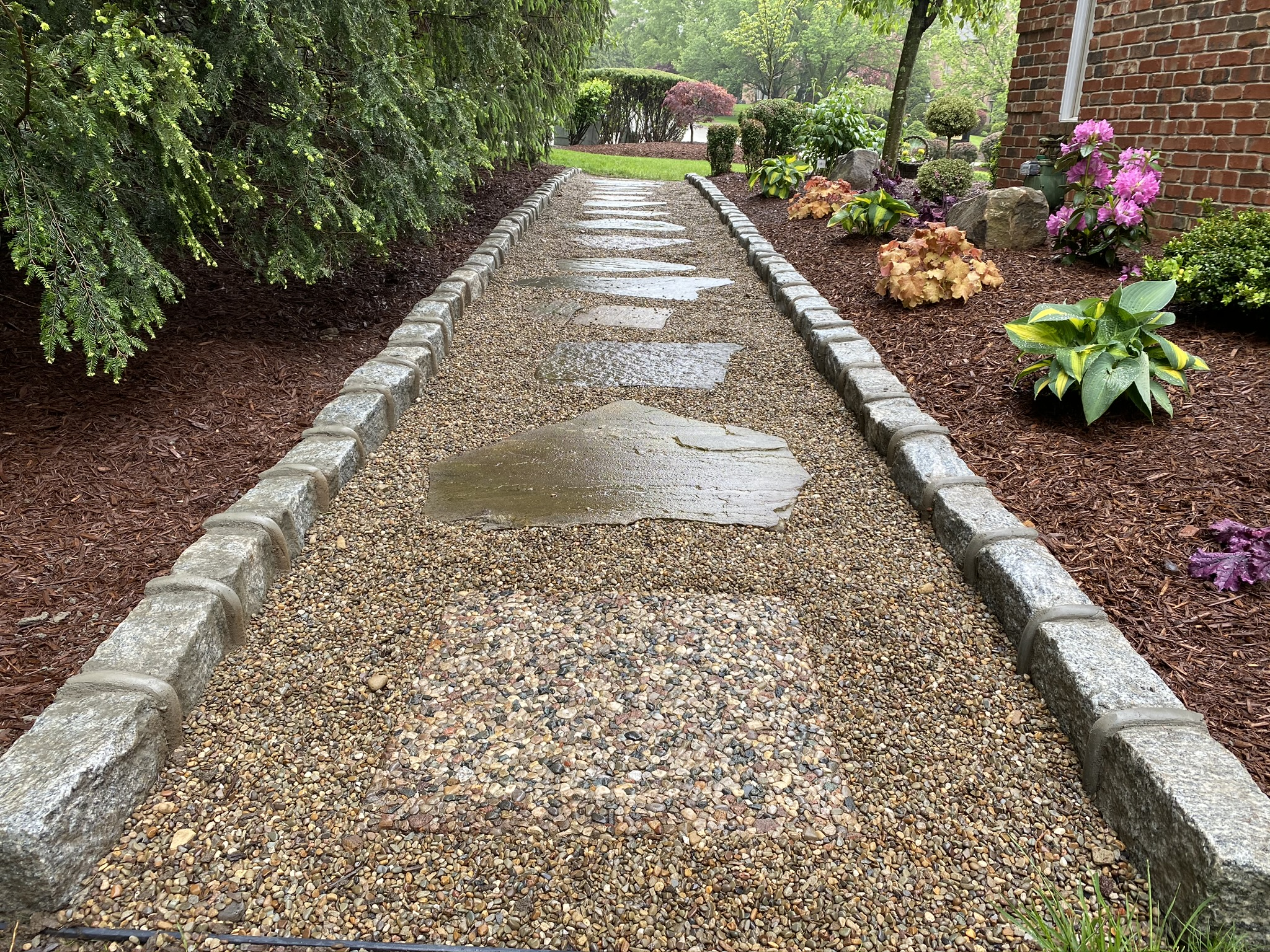 5 Ways to Use Space Efficiently in your Landscape